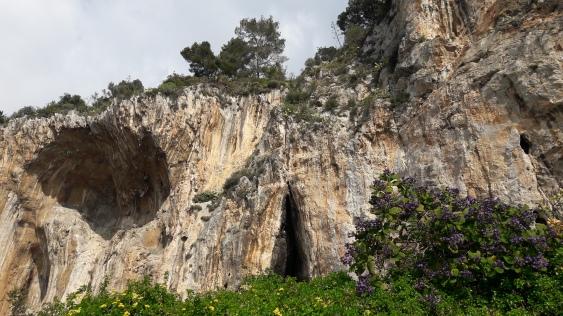 balzi rossi_panoramica delle grotte