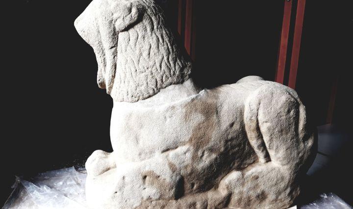 8_Restauro_ricostruttivo_leone_funerario_etrusco